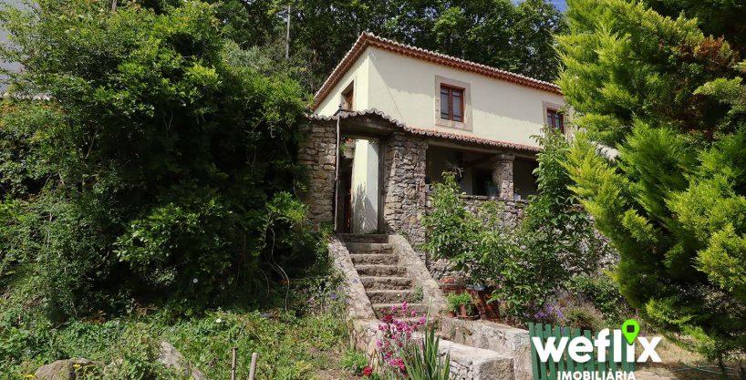 Quintinha em Sintra c/ 8.240m2 e 2 Casas independentes
