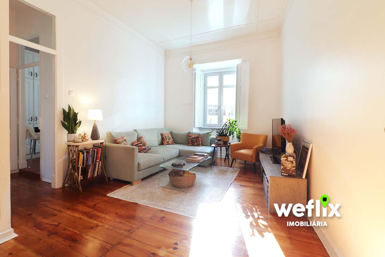 Apartamento T3 em Alcântara
